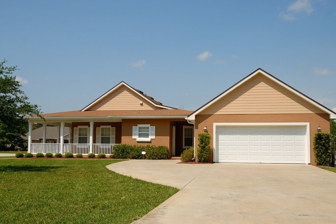Recent home where A-Tech Garage Doors provide garage door installation in Stuart, FL